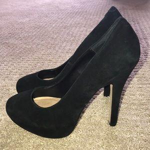 Steve Madden black suede pump — size 8.5M